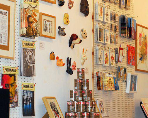 artshop-at-Galerie-Maison-Kasini